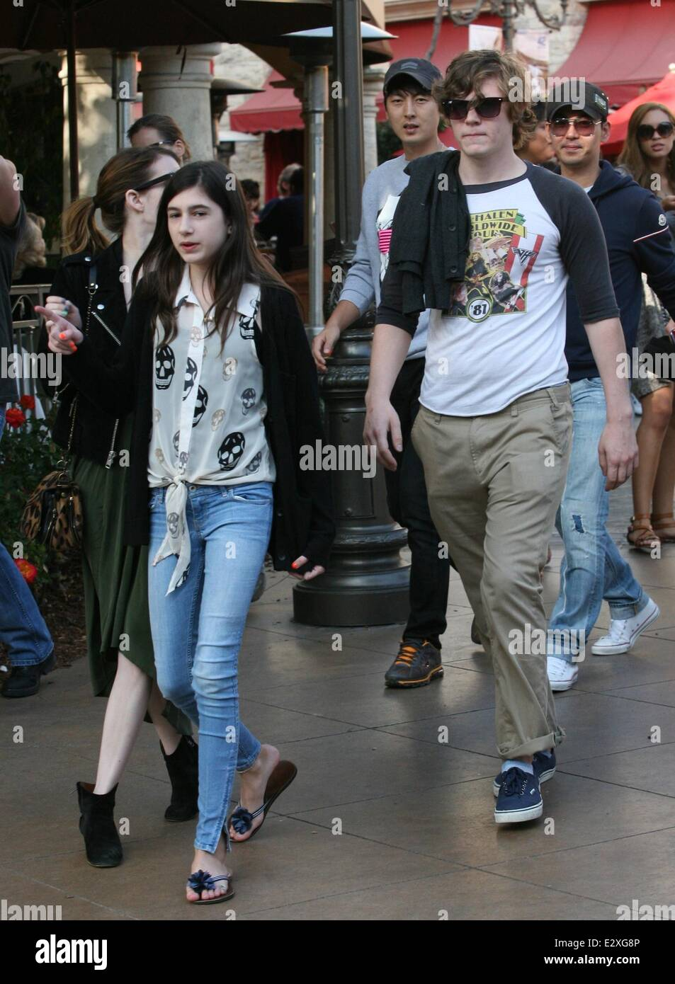 Emma Roberts Tries To Go Undetected With Boyfriend Evan Peters And Stock Photo Alamy