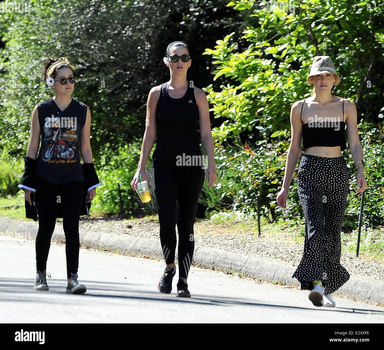 Katy Perry bumps into 'Glee' star Jane Lynch, while hiking with friends on a trail in Studio City. Despite - Stock Image