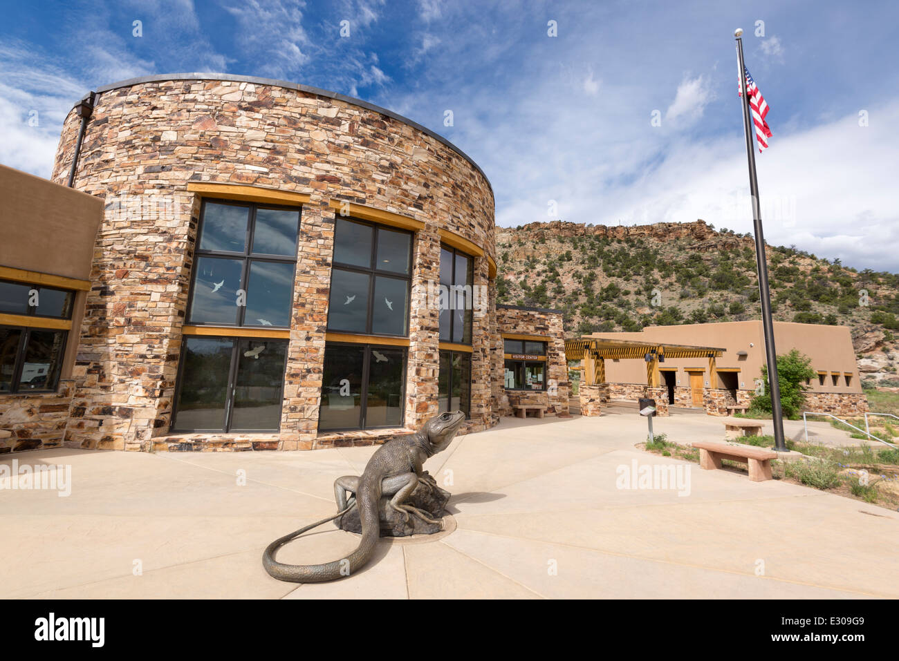 Great Basin Collared Lizard sculpture in front of the Escalante Interagency Vistiors Center in Escalante, Utah. Stock Photo