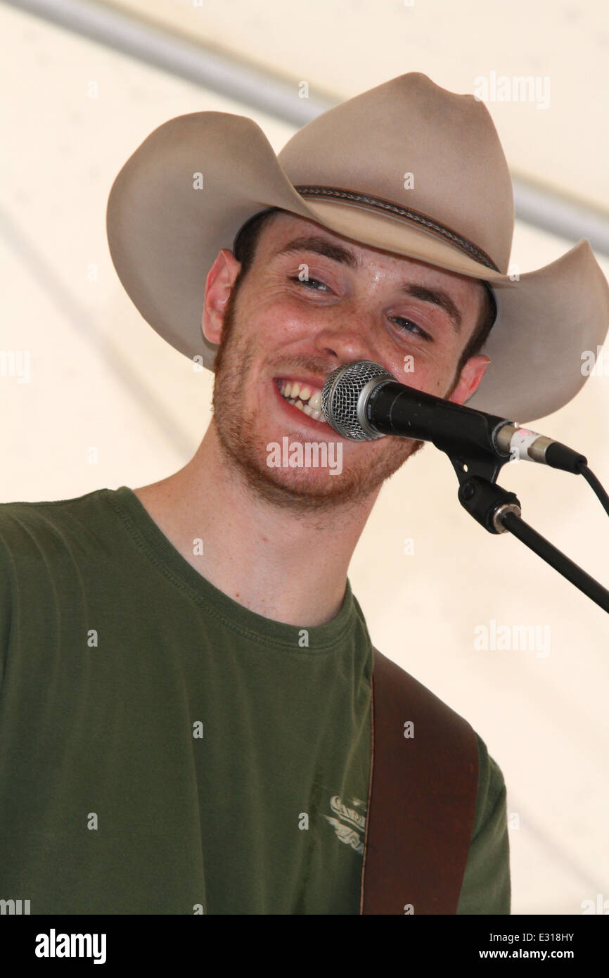 Wyatt McCubbin, country music artist, performs at the Beavercreek Popcorn Festival, Beavercreek, Dayton, Ohio, USA. - Stock Image