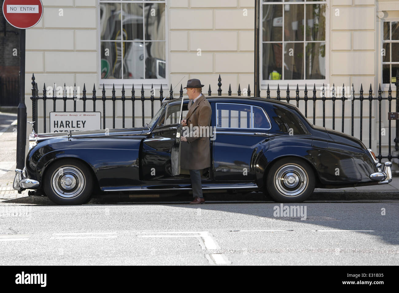 'Breathless' new ITV series filming in central London  Featuring: Shaun Dingwall,Atmosphere Where: London, - Stock Image