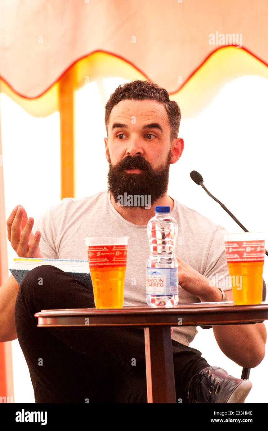 Llandeilo, Carmarthenshire. UK. 21st June,2014. Shaun Usher presents his hugely popular Letters of Note at the 2014 - Stock Image