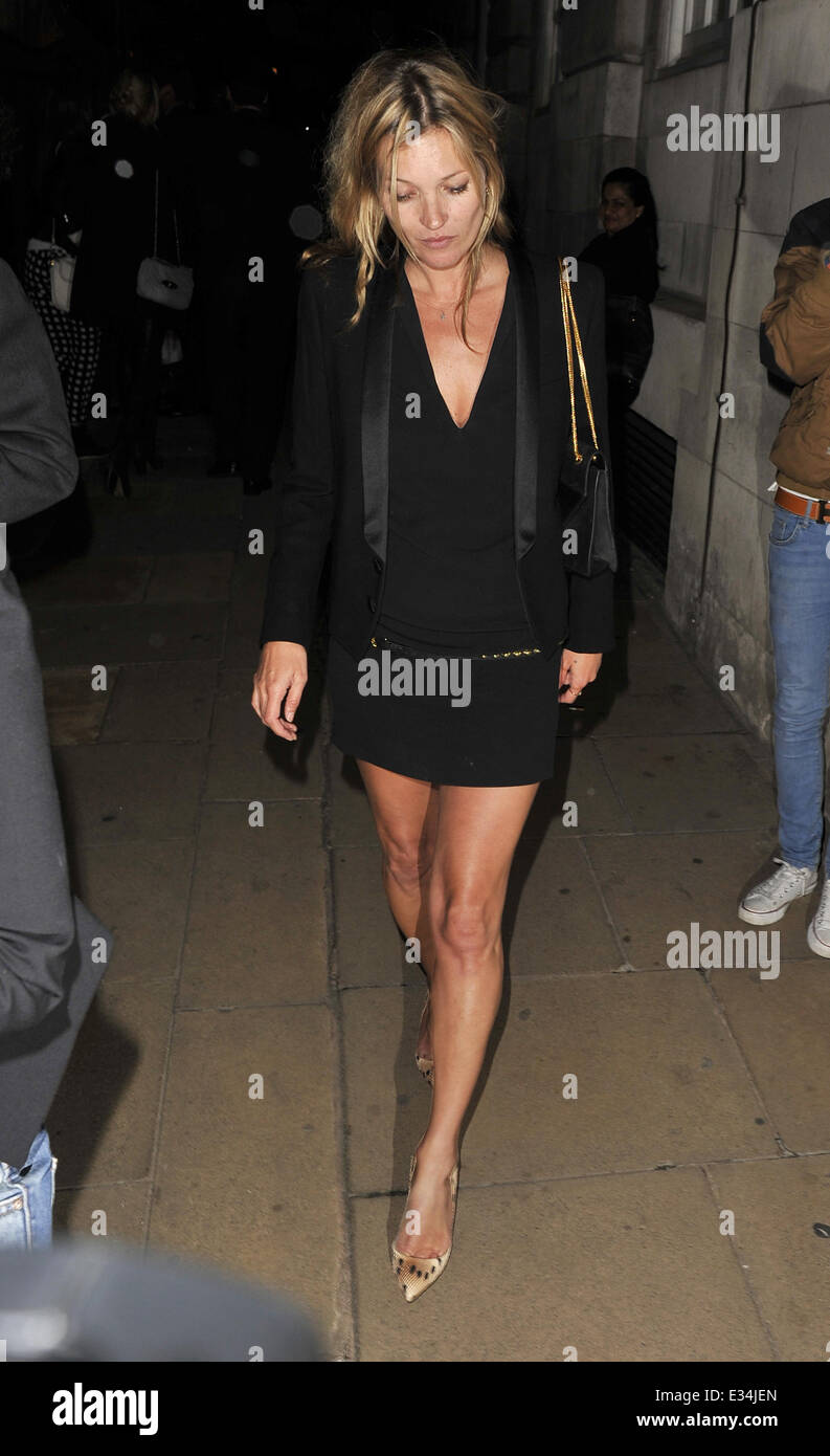 Kate Moss Leaving Loulous Private Members Club In Mayfair Stock