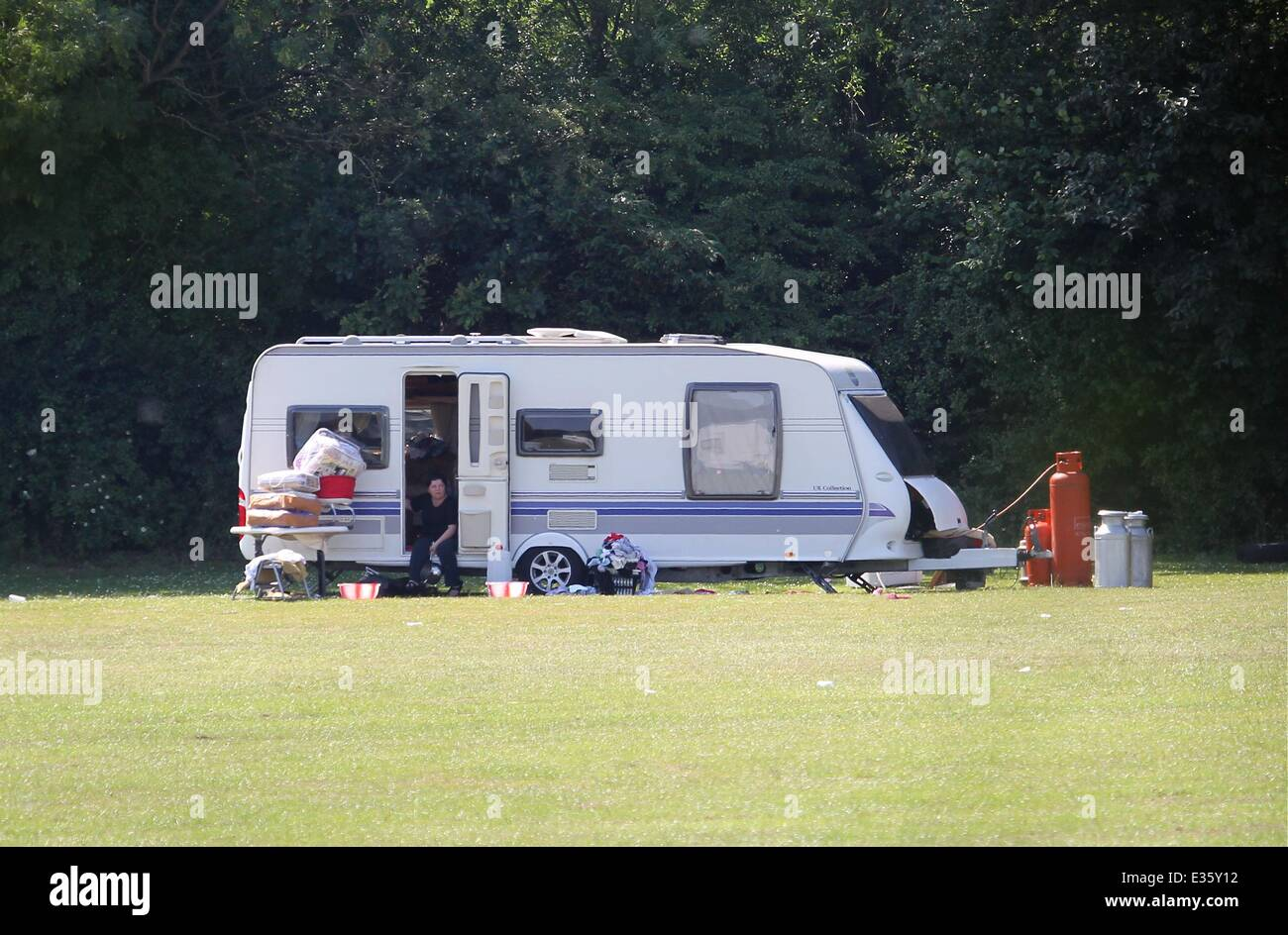 Following the eviction of Romanian squatters at the former Hendon Football Club, travellers have moved into a field - Stock Image