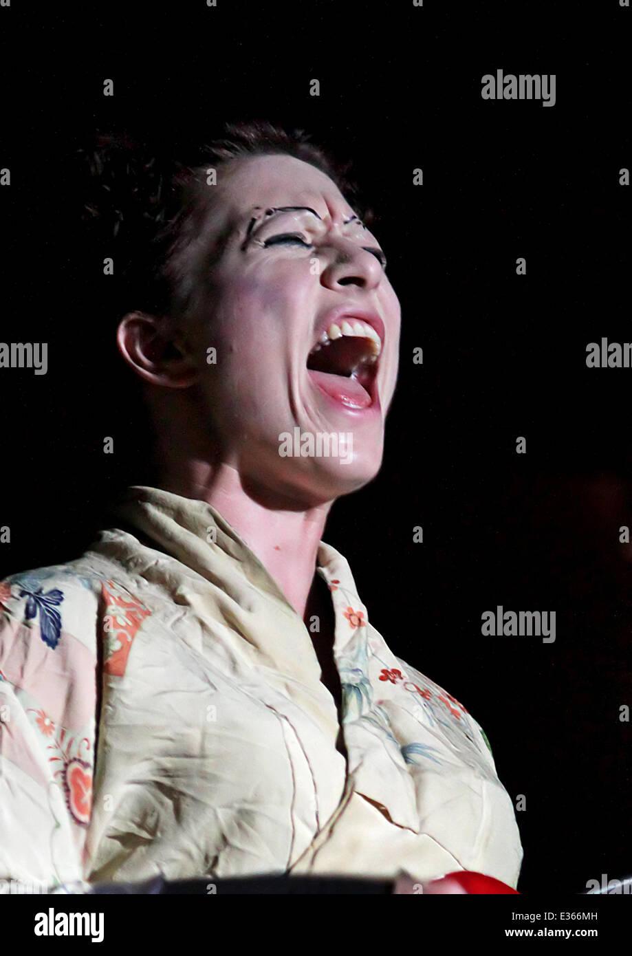 Amanda Palmer Images amanda palmer performing at the manchester ritz featuring