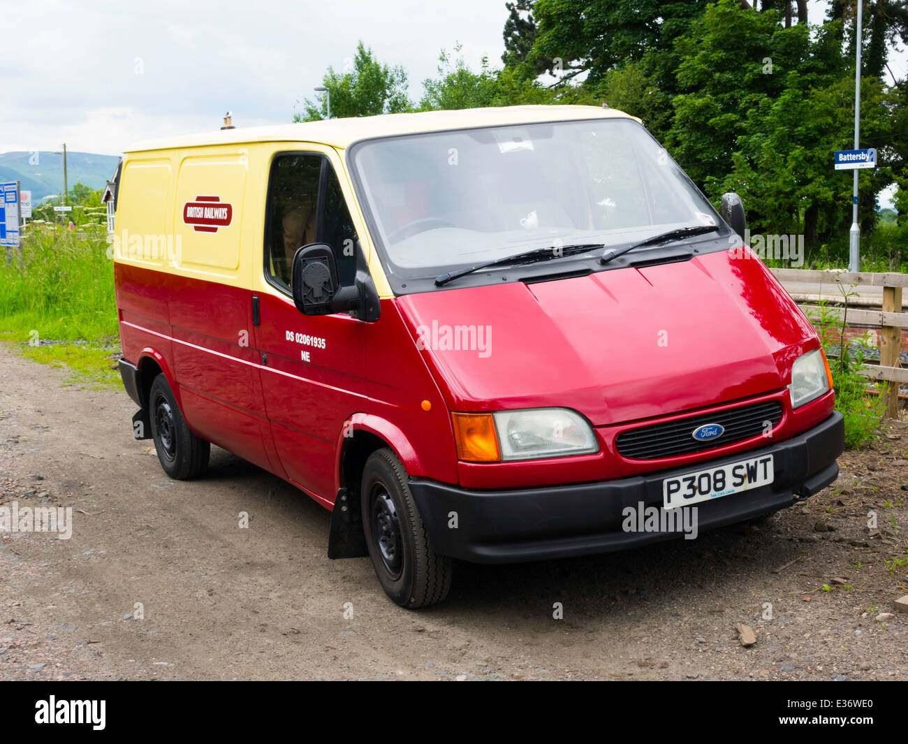 1996/7 registered Ford Transit van in red and yellow ...
