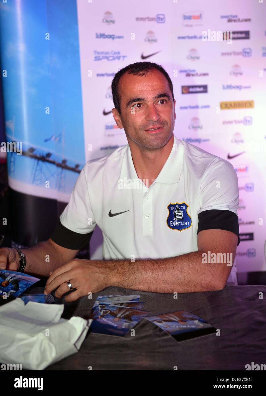 Everton Football Club meet and greet in Miami  Featuring: Roberto Martinez Where: Miami Beach, Florida, United States - Stock Image