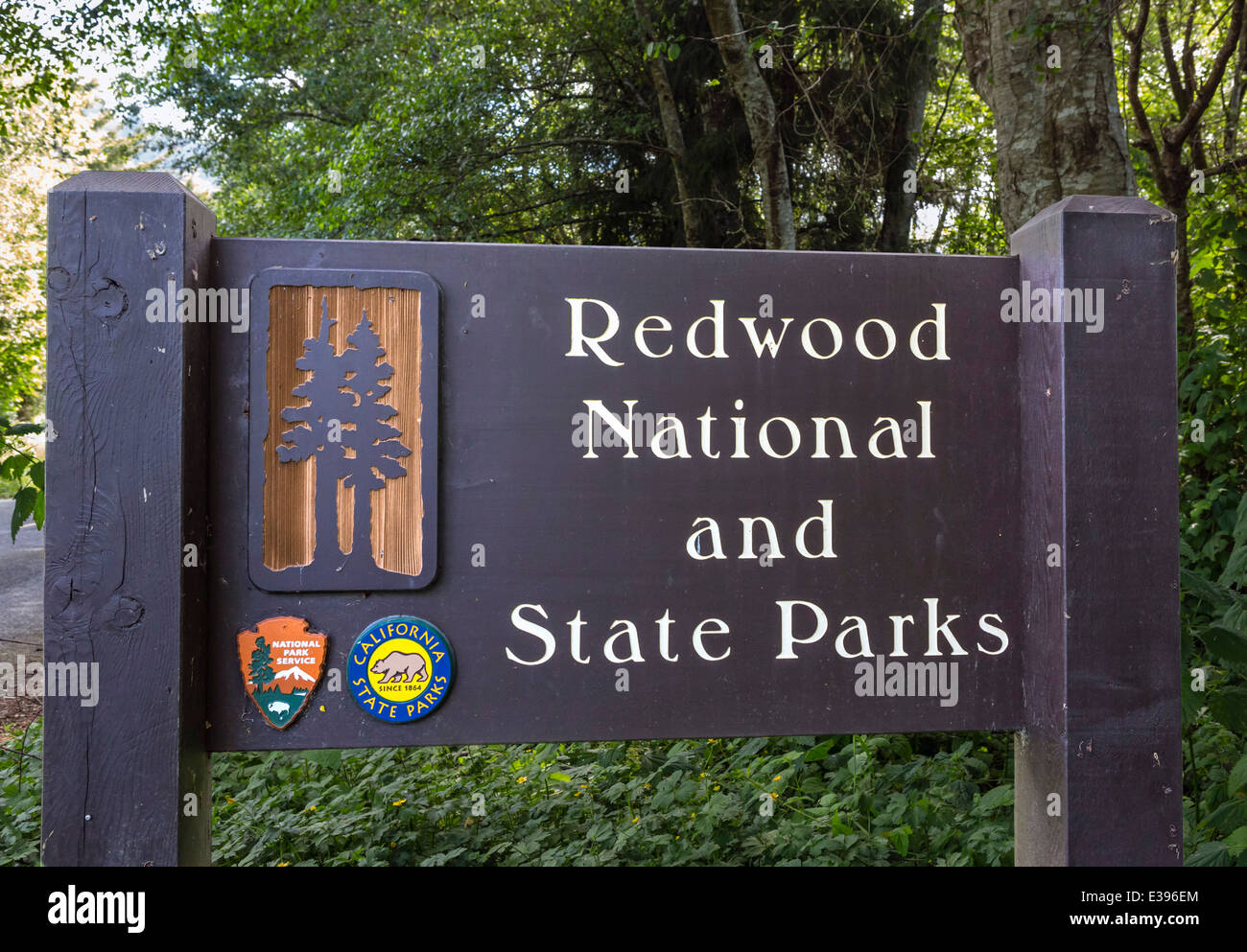 Entrance sign to Redwood National and State Parks, Northern California, USA - Stock Image
