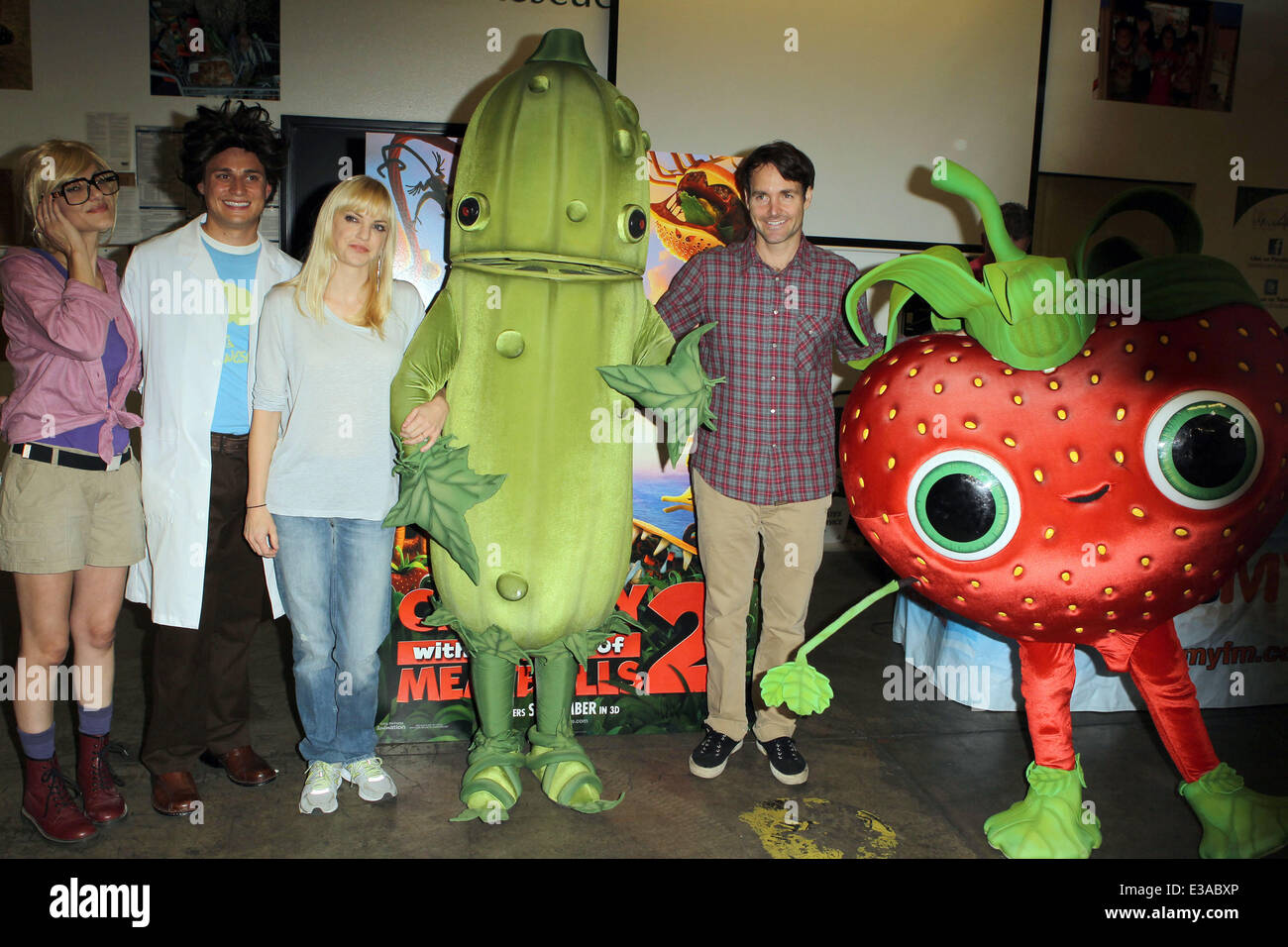Cloudy With A Chance Of Meatballs 2 Actors Anna Faris Will Forte
