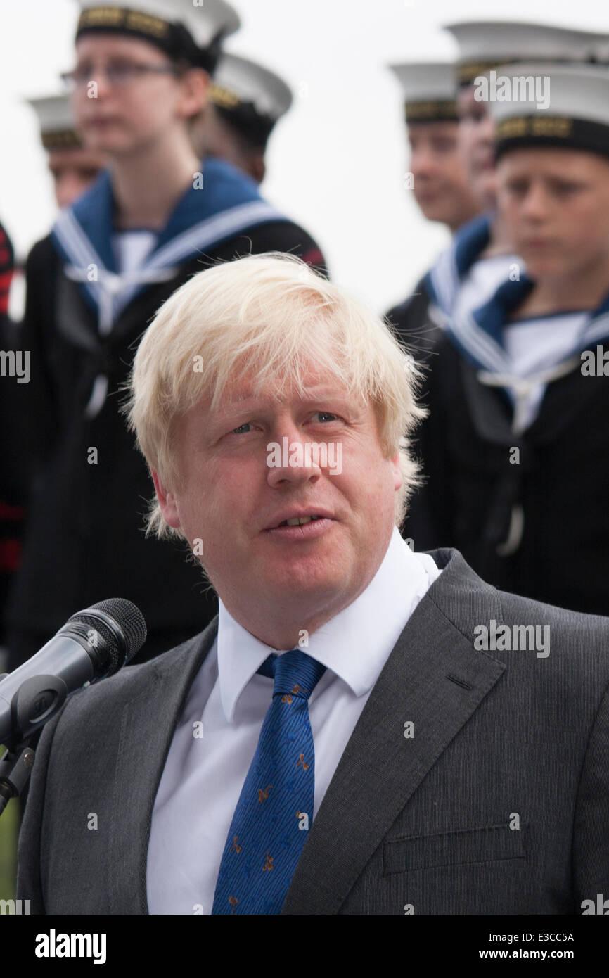 London, UK. 23rd June, 2014. Mayor of London Boris Johnson addresses the gathering as members and veterans of the - Stock Image