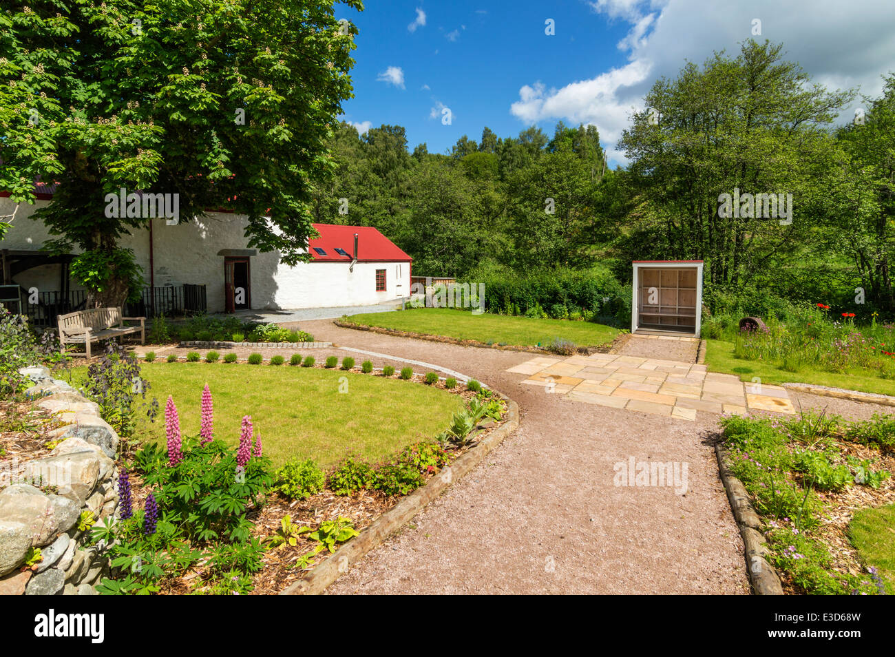 KNOCKANDO WOOL MILL THE SUMMER HOUSE AND GARDENS MORAY SCOTLAND - Stock Image