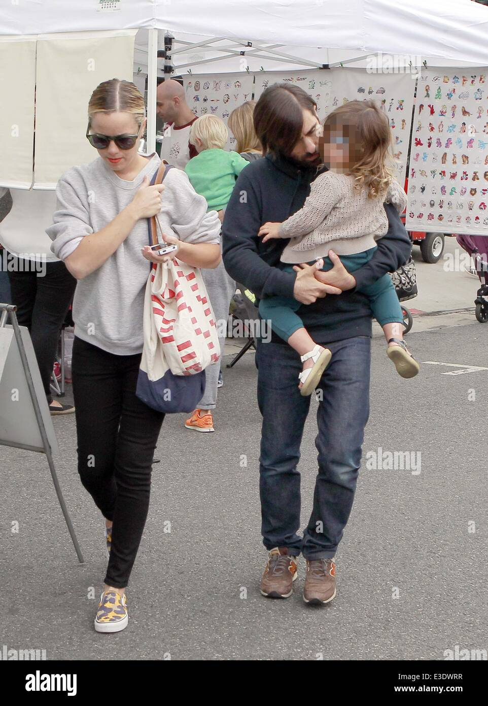 Jason Schwartzman With His Wife Brady Cunningham And Daughter Marlowe Stock Photo Alamy
