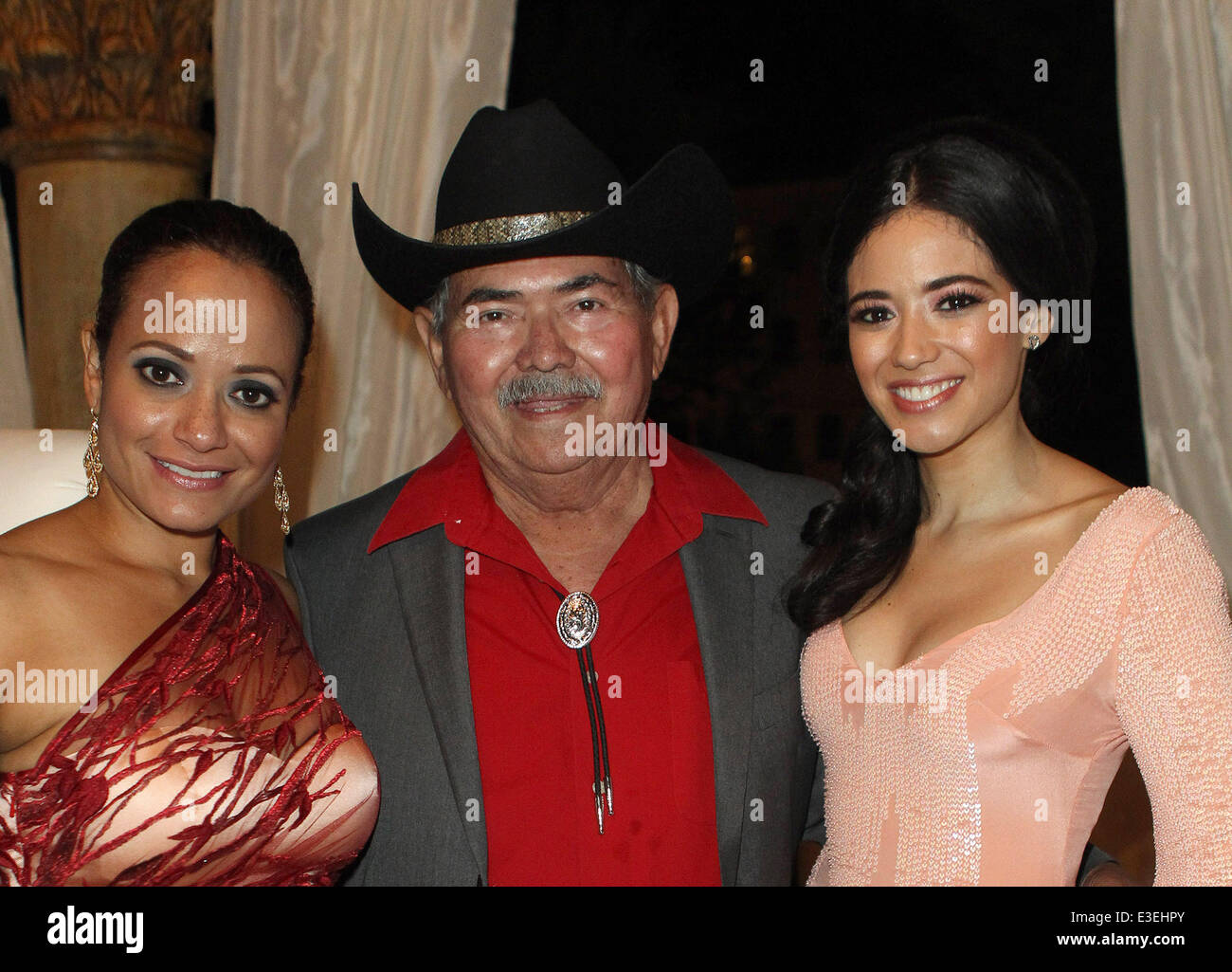 Enrique Longoria Jr High Resolution Stock Photography And Images Alamy