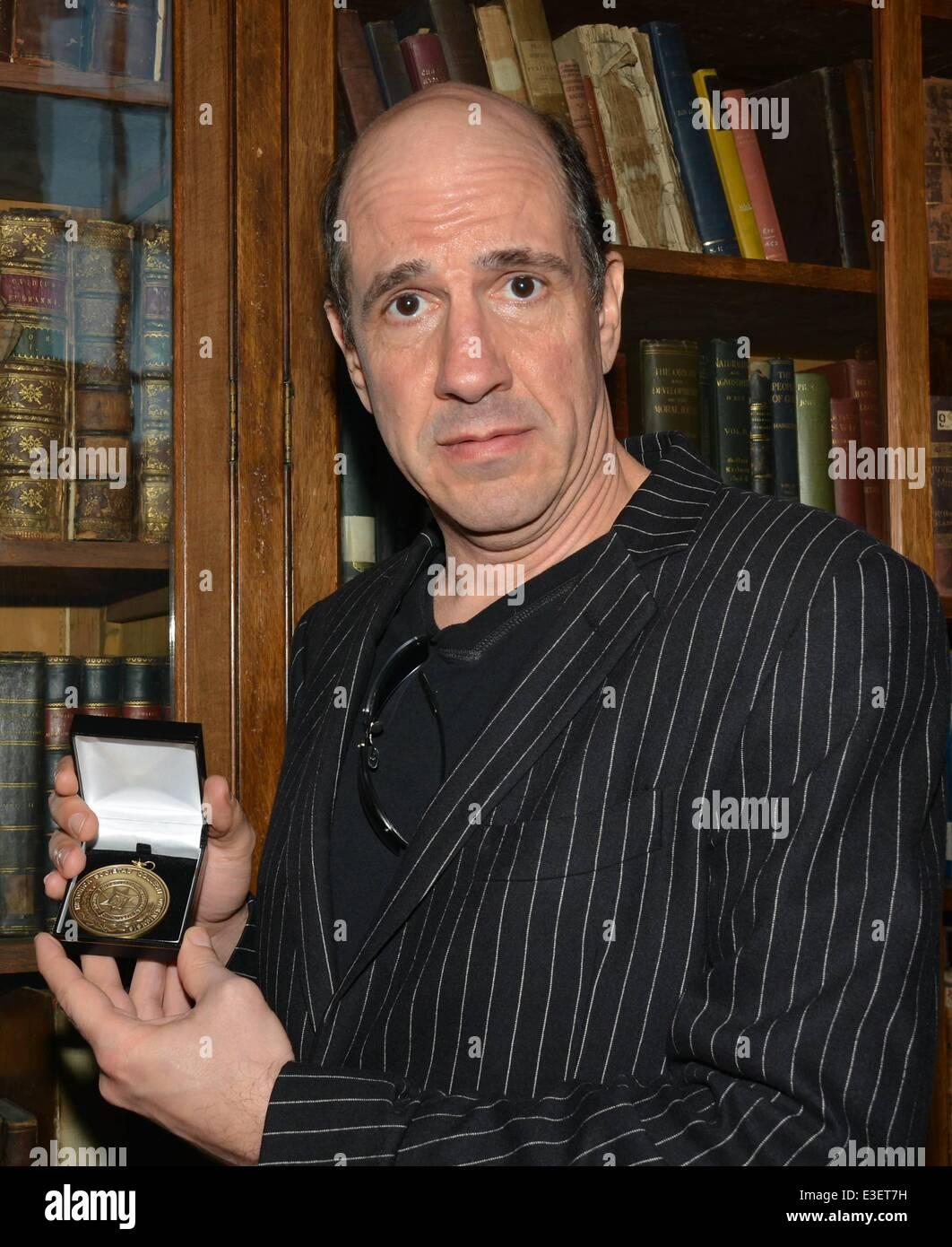scrubs actor sam lloyd receives the burke medal for outstanding