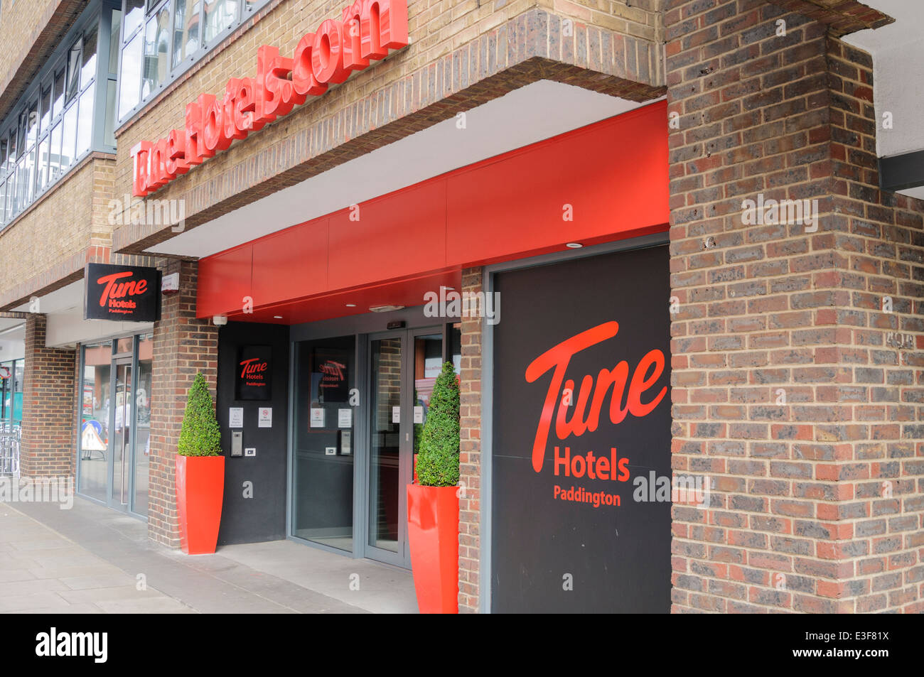Tune Hotels Stock Photos & Tune Hotels Stock Images - Alamy