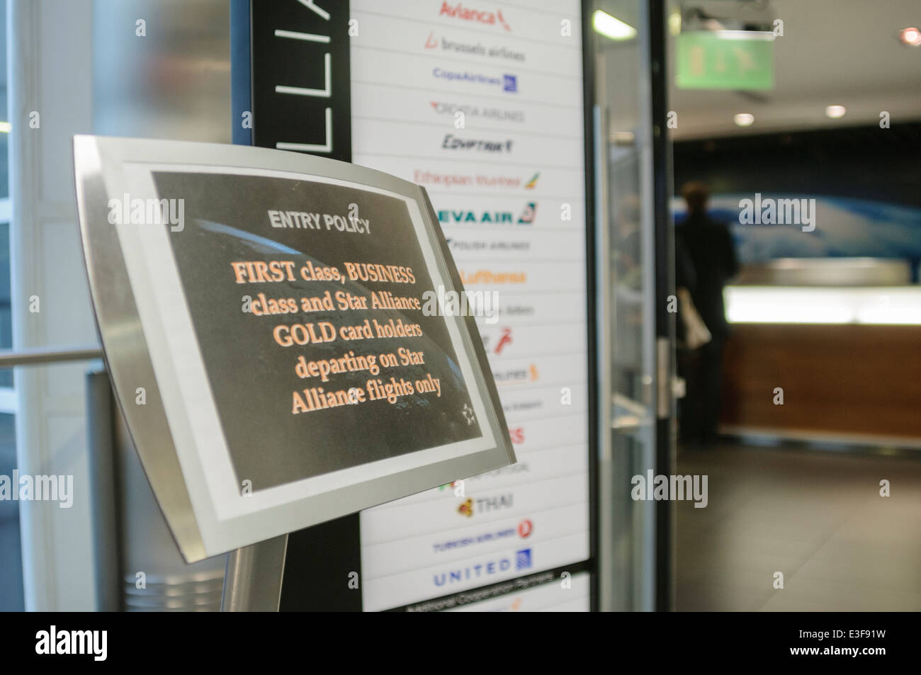 Sign at the entrance to the Star Alliance Lounge at Heathrow Terminal 1 - Stock Image