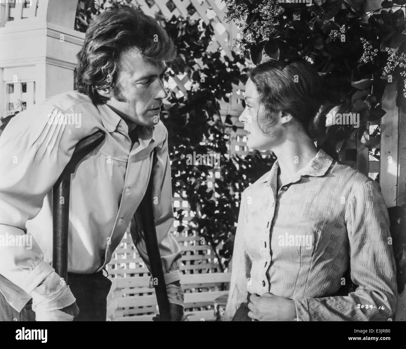 the beguiled,clint eastwood and elizabeth hartman,1971 - Stock Image