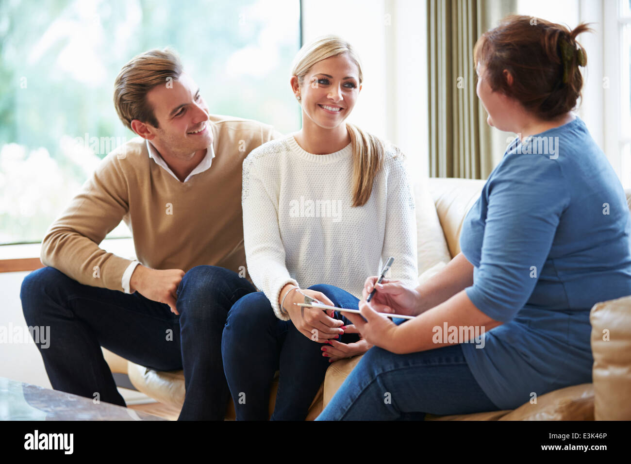 Counselor Advising Couple On Relationship Difficulties - Stock Image