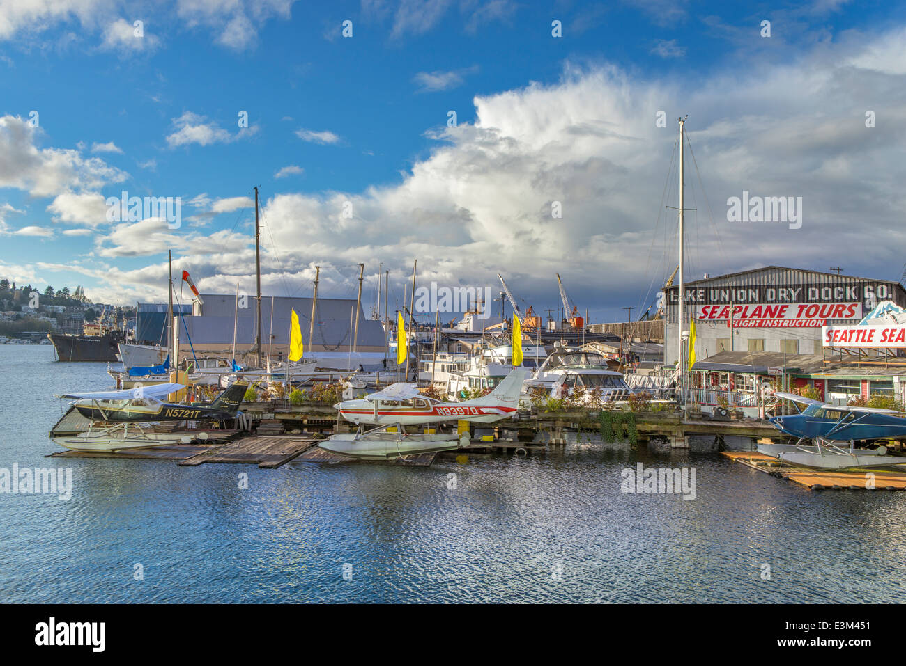 Seattle, Washington: Seaplanes moored on Lake Union along Eastlake Stock Photo