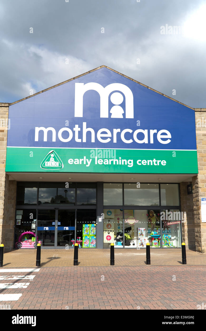 UK, Huddersfield, the Great Northern Retail Park, 'Mothercare' store frontage. - Stock Image