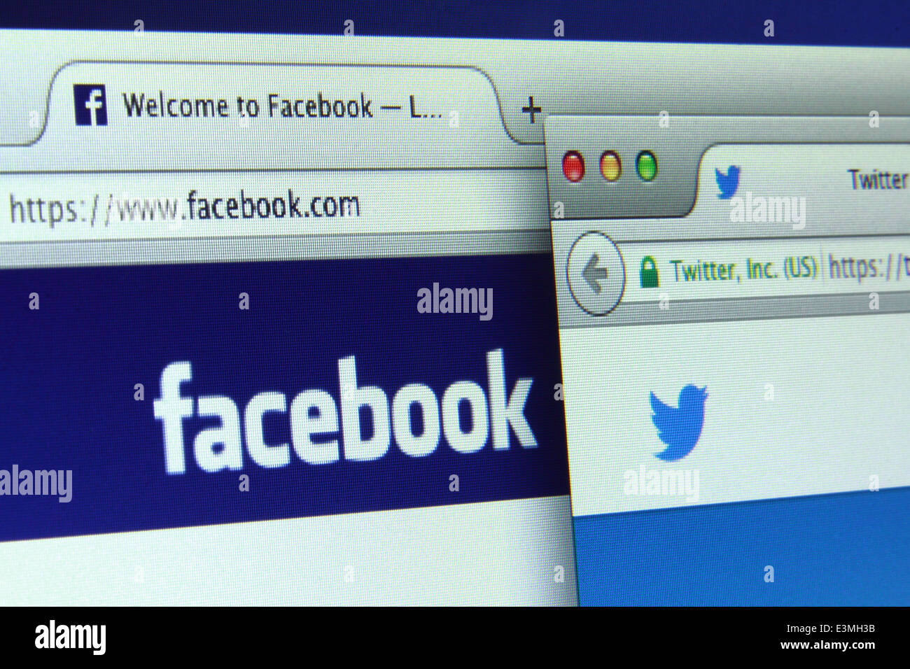 Facebook and Twitter are 2 most popular social networking sites of the world - Stock Image