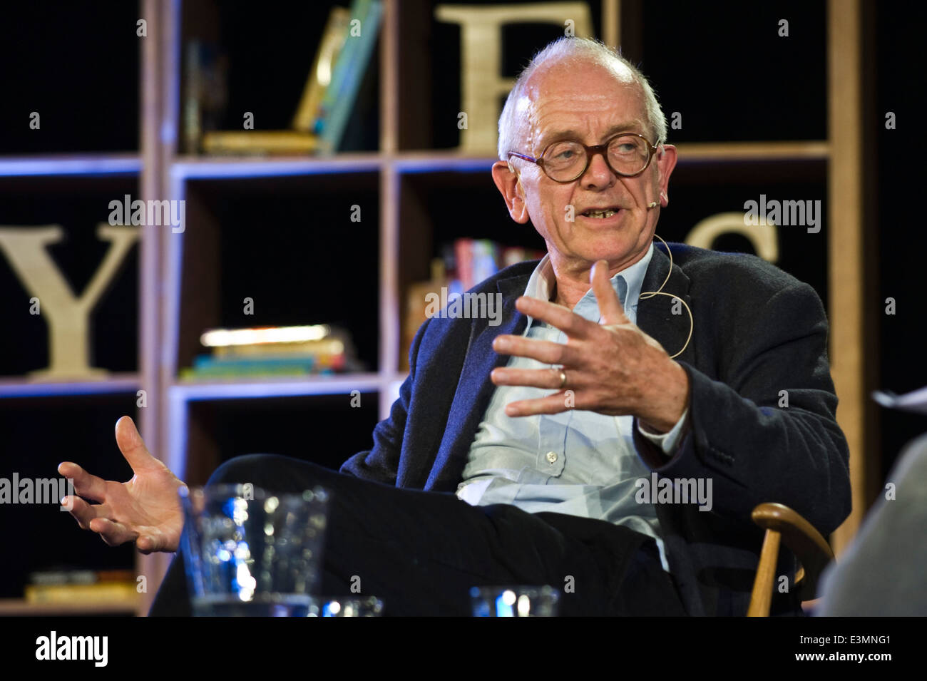 Henry Marsh neurosurgeon talking to Ian McEwan at Hay Festival 2014. Stock Photo