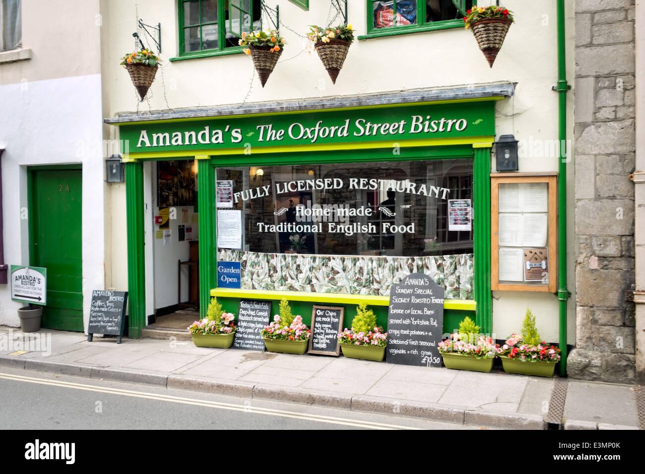 Amanda's bistro in Oxford Street, Malmesbury, Wiltshire, on a sunny day - Stock Image