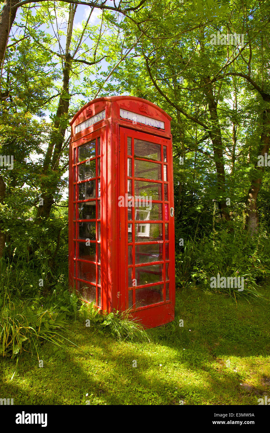 Red telephone box Dent, Yorkshire Dales National Park, North Yorkshire, England, United Kingdom. - Stock Image