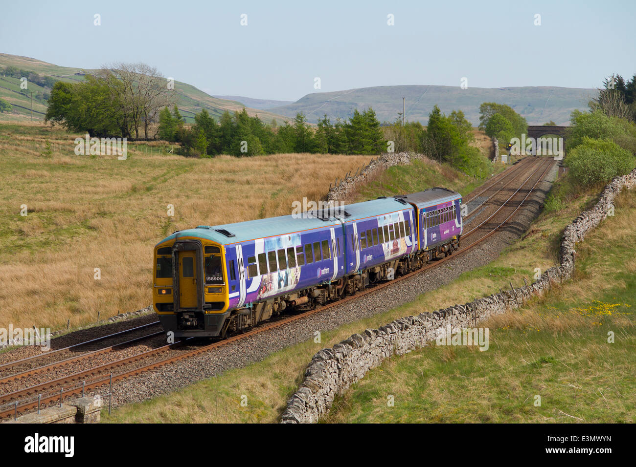 158906 and 153301 DMUs working a Northern rail service at Ais Gill. 17th May 2014. - Stock Image