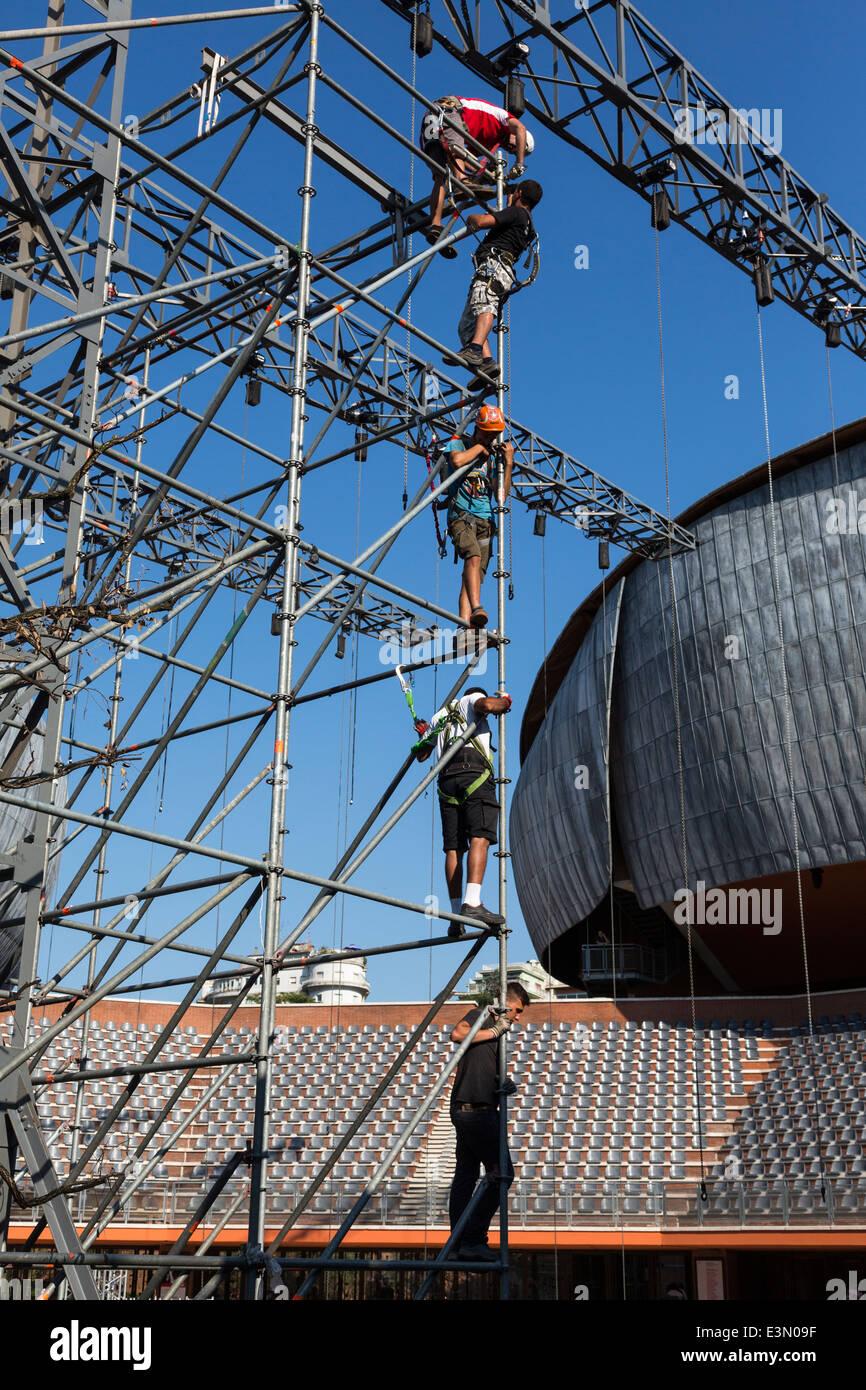 workmen on scaffolding, Auditorium Parco della Musica, Rome, Italy - Stock Image