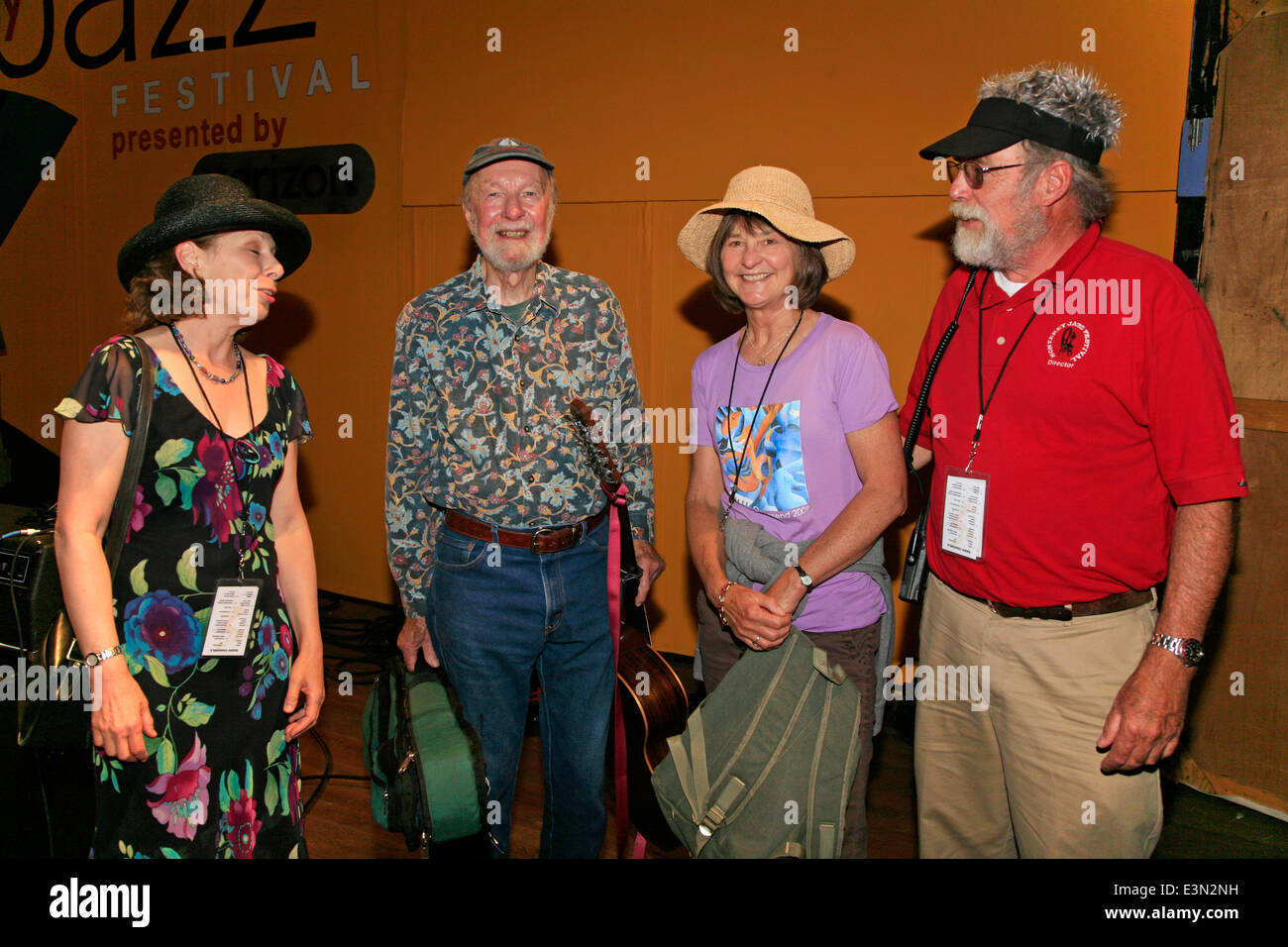 PETE SEEGER backstage at the 2009 MONTEREY JAZZ FESTIVAL - CALIFORNIA - Stock Image