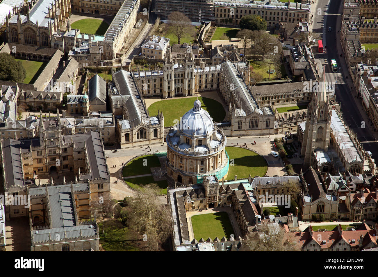aerial view of Oxford city centre and Oxford University colleges - Stock Image