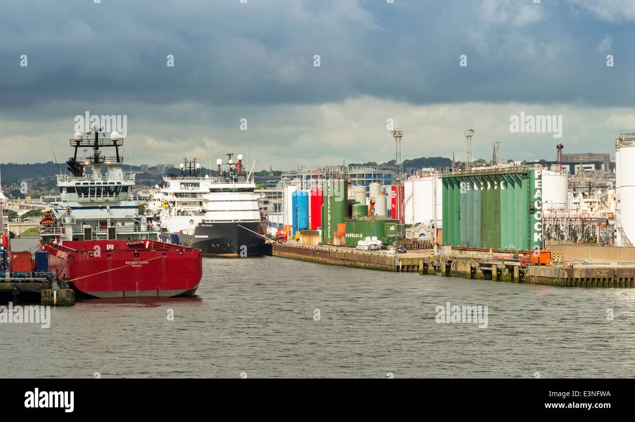 NORTH SEA OIL SERVICE VESSELS INSIDE ABERDEEN HARBOUR SCOTLAND - Stock Image