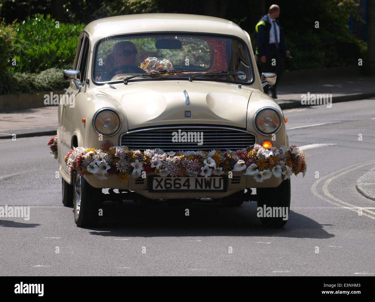 Hindustan Motors, Ambassador car decorated with flowers, Oxford, UK - Stock Image