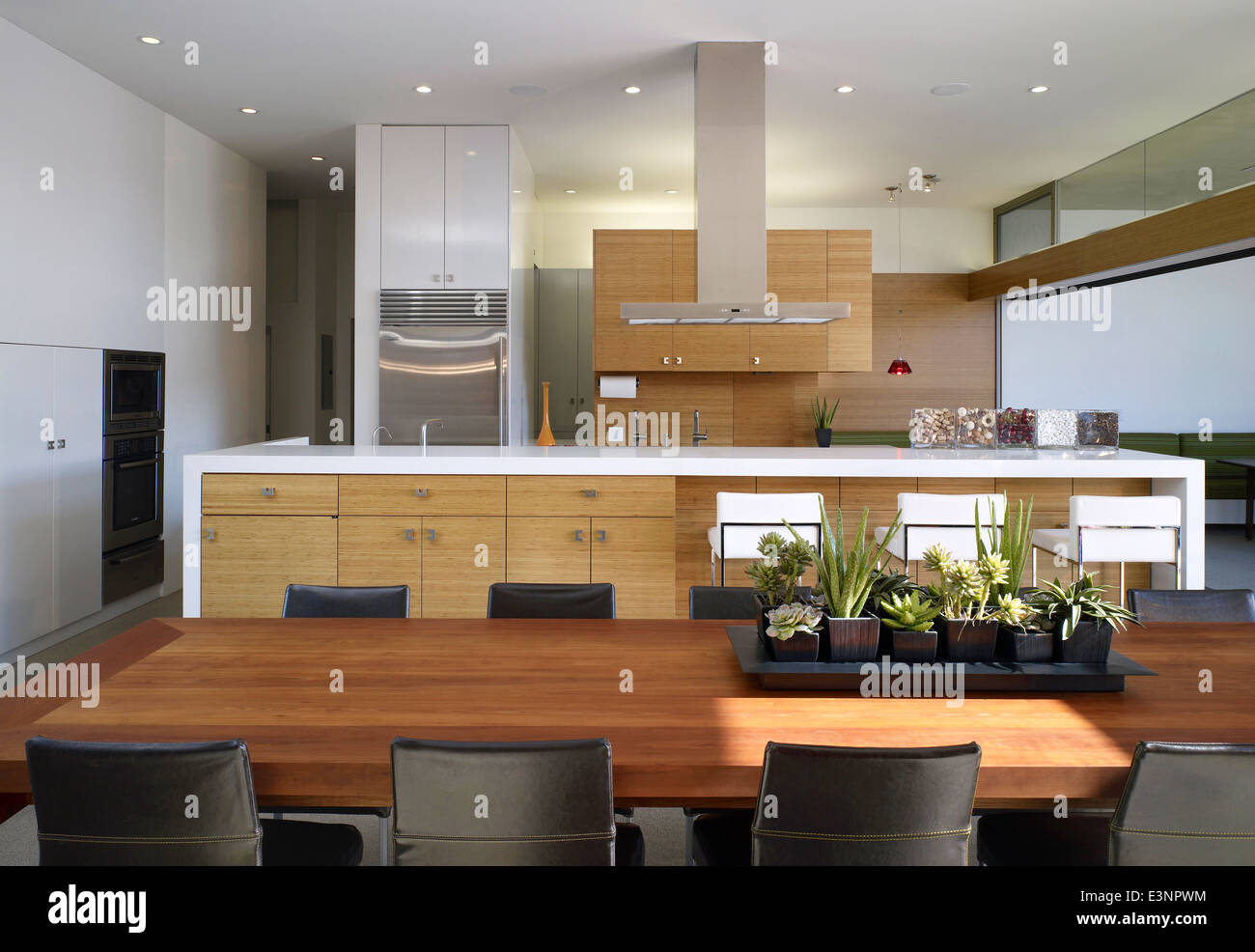 Open Plan Kitchen And Dining Area In Yin Yang House, Venice, California, USA