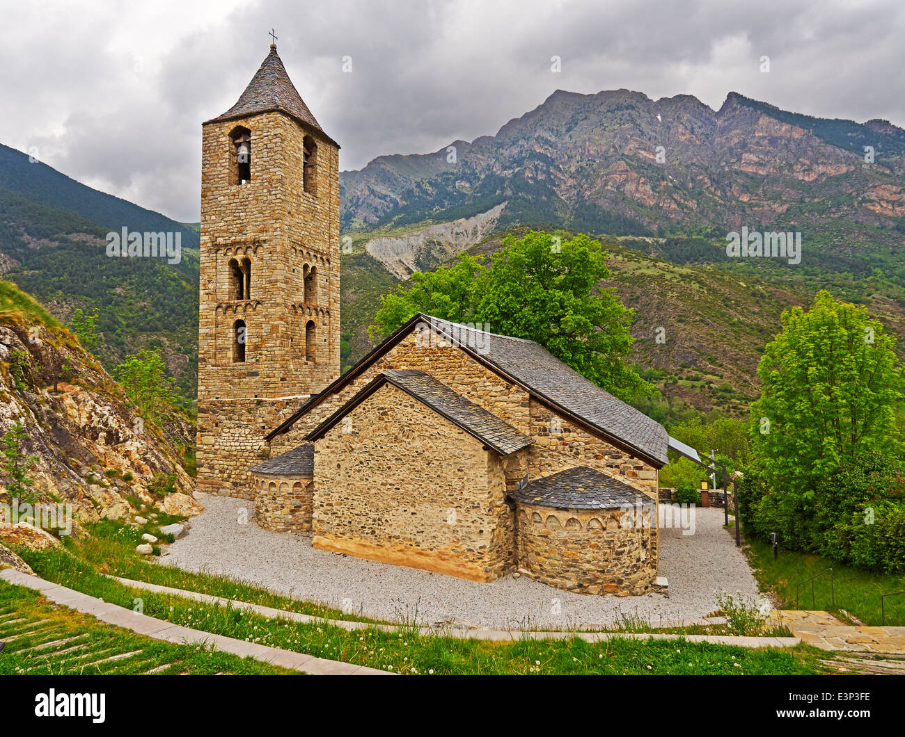 Church of Saint Joan de Boi in the Vall de Boi, Spain. One of 9 Early Romanesque churches a remote valley in the - Stock Image