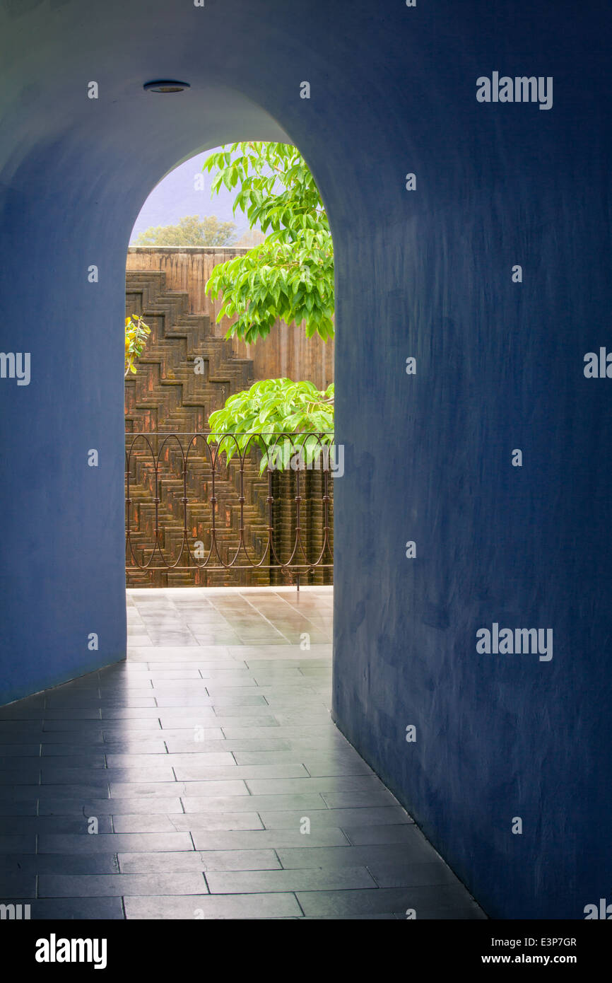 Hallway in the boutique Hotel Azul de Oaxaca in the historic downtown of Oaxaca, Mexico. - Stock Image