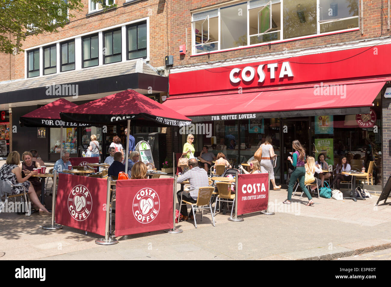 Costa Coffee - Berkhamsted High Street - Hertfordshire - Stock Image