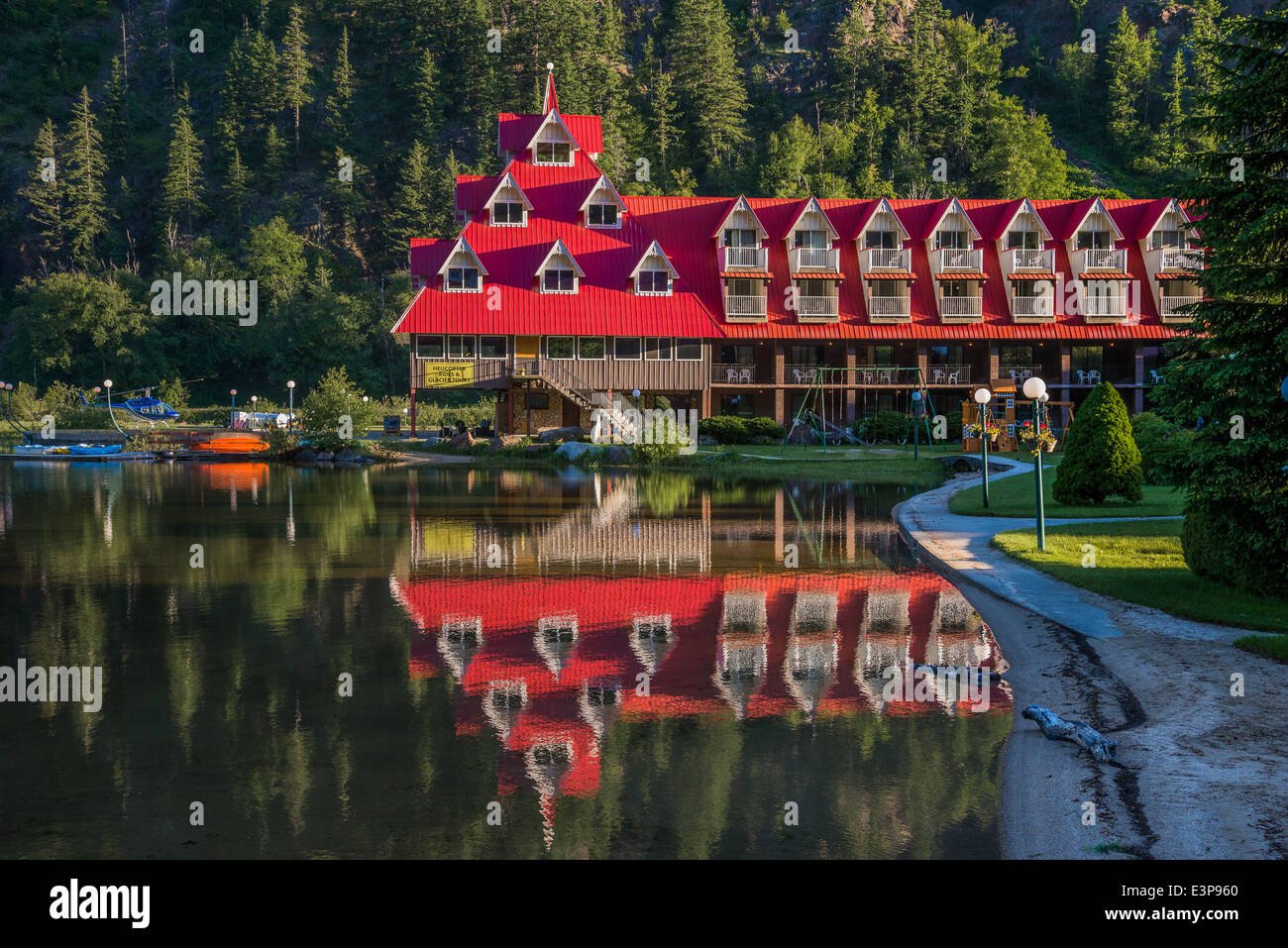 Hotel at 3 Valley Gap, Selkirk Mountains, British Columbia, Canada - Stock Image