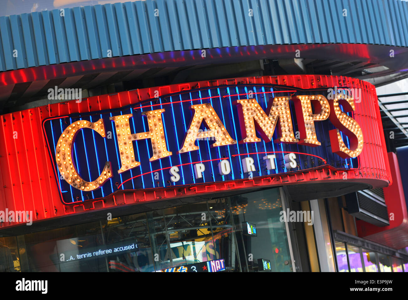 650d8484dce0 Sports Store Stock Photos   Sports Store Stock Images - Alamy