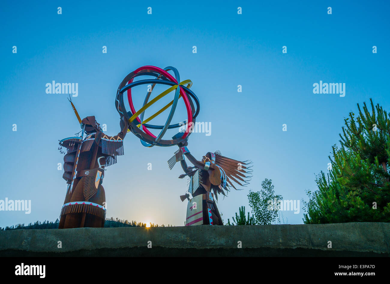 First Nations themed sculpture, by artist Smoker Marchand, Senkulmen Business Park, Oliver, BC, Canada - Stock Image