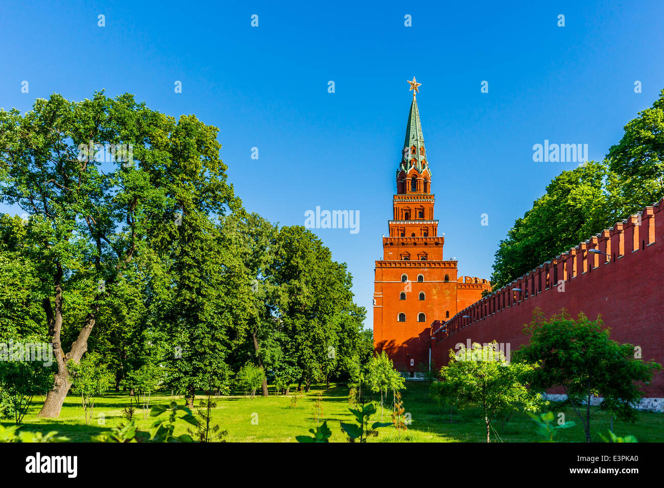 Borovitskaya tower of Moscow Kremlin and the lower part of Alexander garden - Stock Image