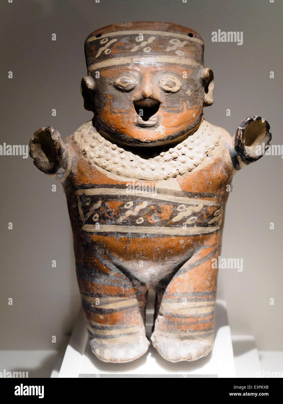 Sculptural Anthropomorphic representation Huari Transitional Period 800 -1300 AD Museo de Arte Precolombino, Cusco - Stock Image