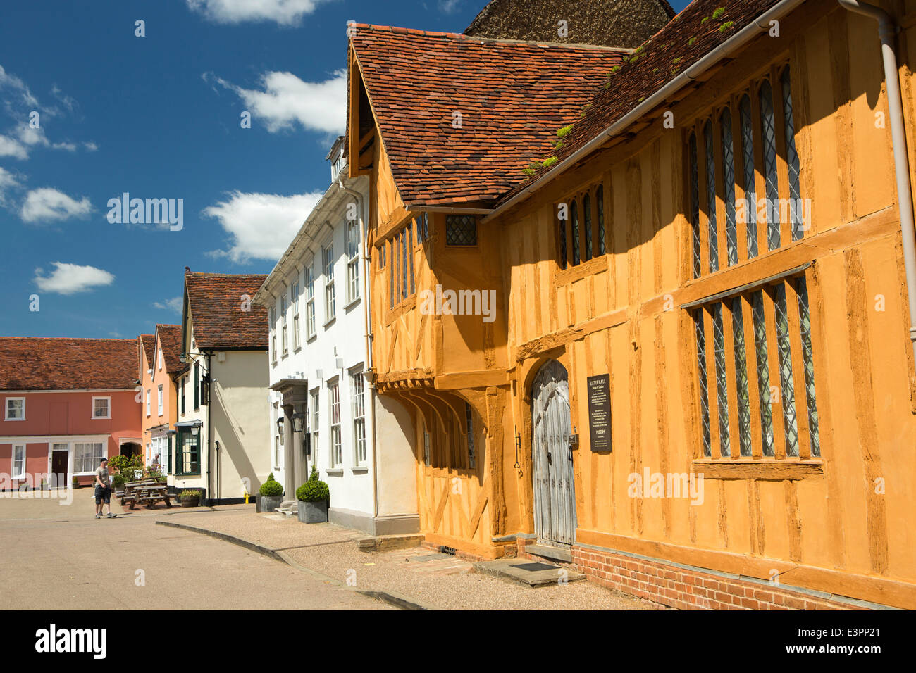 UK England, Suffolk, Lavenham, Market Square, Great House and C15th Little Hall - Stock Image