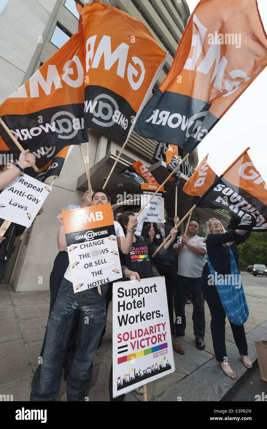 June 27, 2014 - London, UK - The GMB union and LGBT activists protest outside 45 Park Lane hotel in London. The - Stock Image