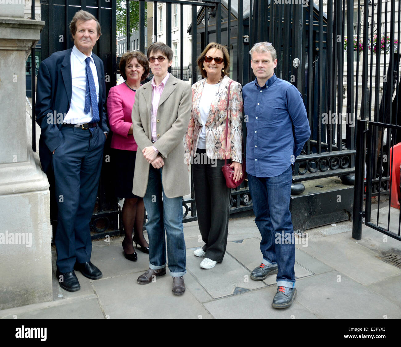 Sir David Hare, Frances Crook, A L Kennedy, Rachel Billington and Mark Haddon waiting to enter Downing Street to - Stock Image