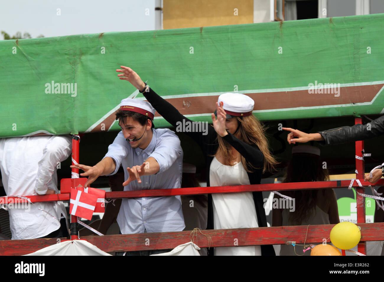 Hørsholm / Hoersholm, north of Copenhagen, Denmark. June 27, 2014. Danish students in white student caps celebrate - Stock Image