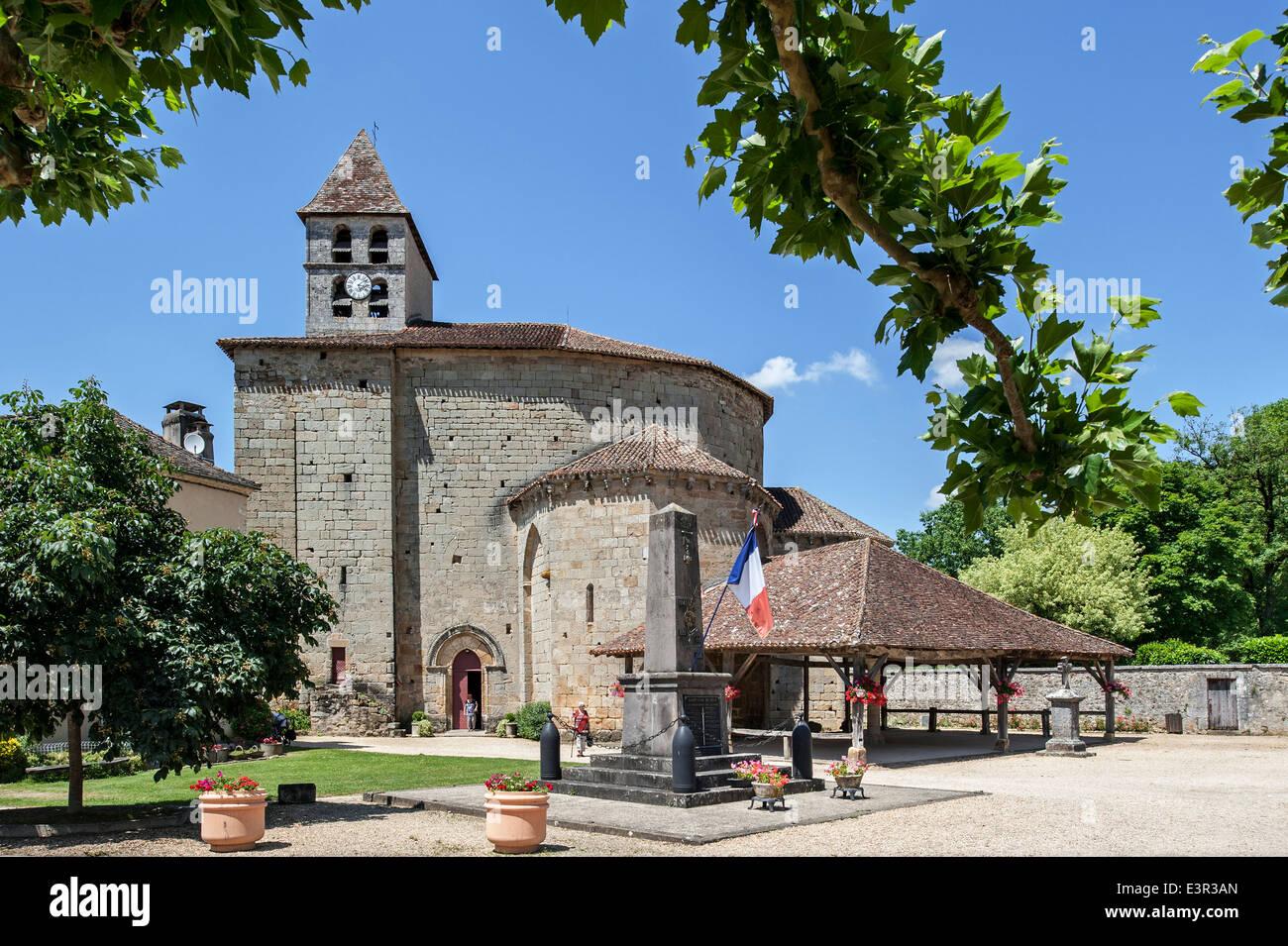 The Romanesque Byzantine church Église Saint-Jean-Baptiste at Saint-Jean-de-Côle, Dordogne, Aquitaine, - Stock Image