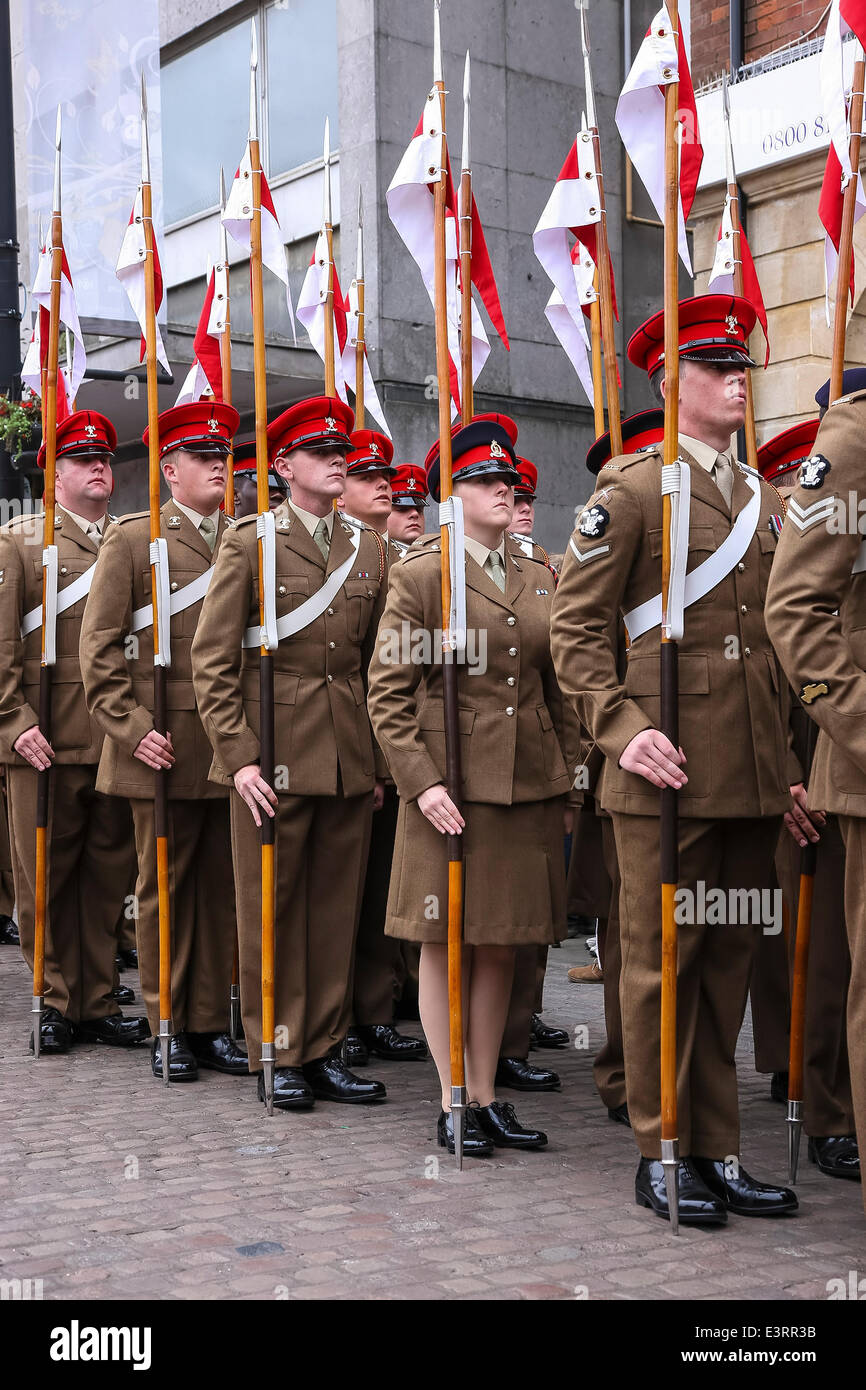Northampton, UK. 28th June, 2014. The 9th/12th Royal Lancers proudly parade through Northampton town centre - Stock Image
