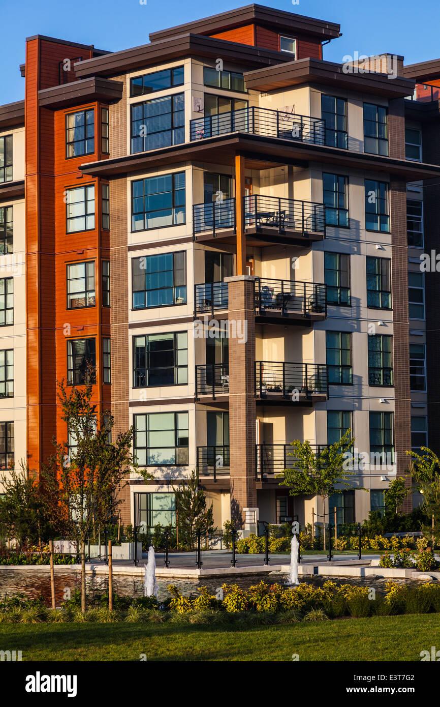 Garden Wall Apartments Stock Photos & Garden Wall Apartments Stock ...